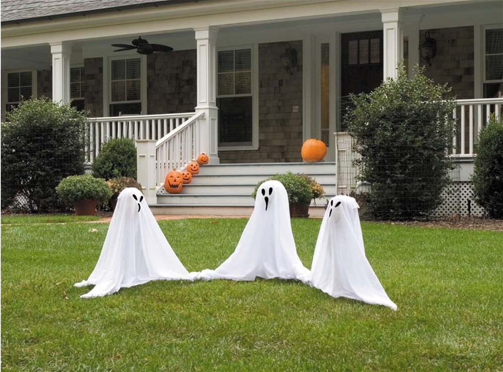 Ghostly Group Lawn Ornaments