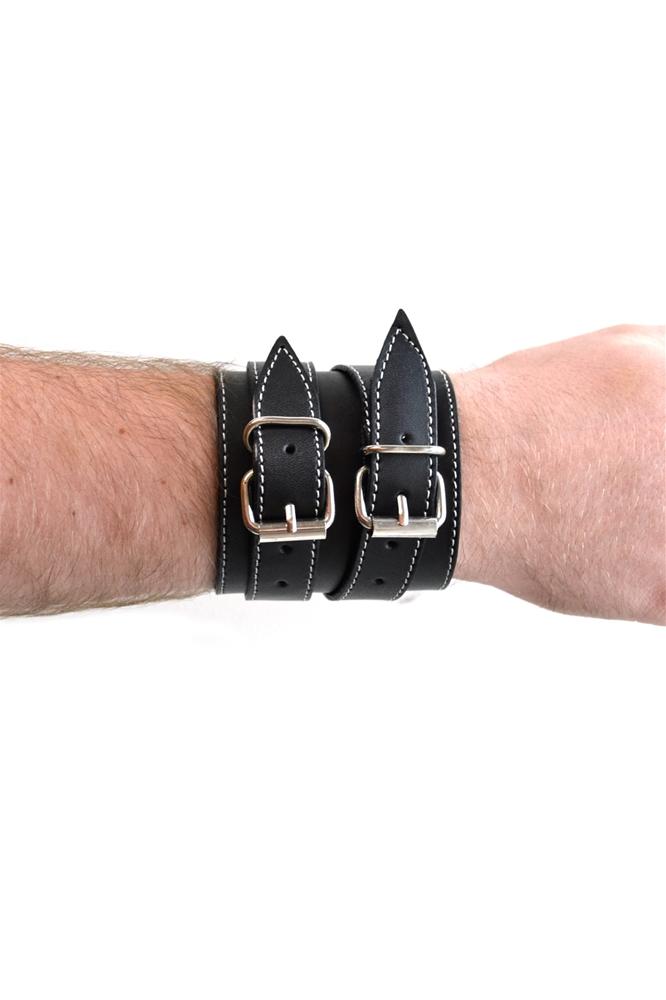 Купить Black Strapped Wristband