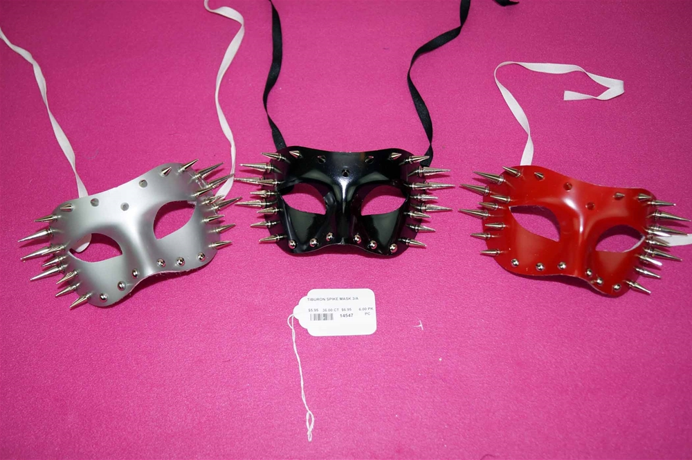 Tiburon Spike Mask (More Colors)