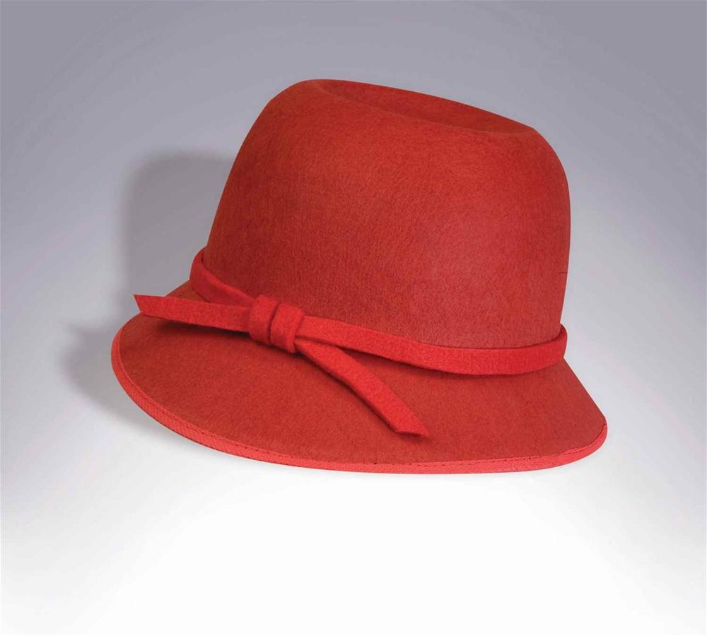 Cloche hat flapper