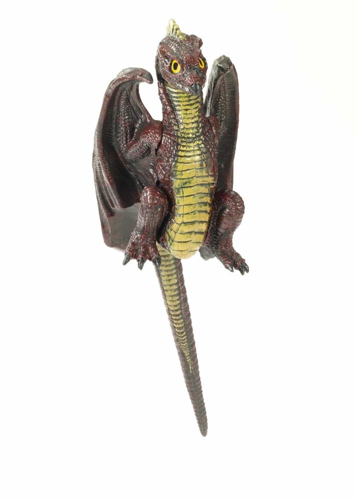 Medieval Sitting Shoulder Dragon