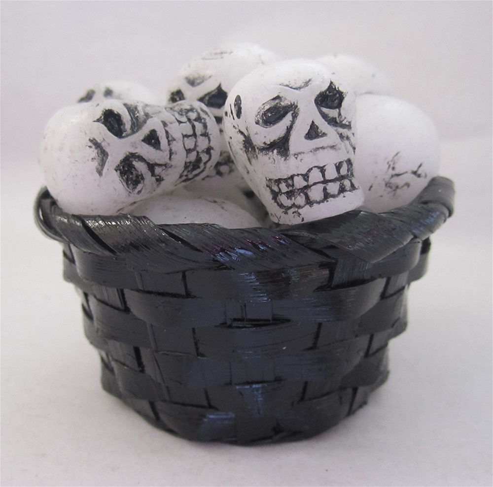 Simmering Skull Heads Licorice Scented Wax