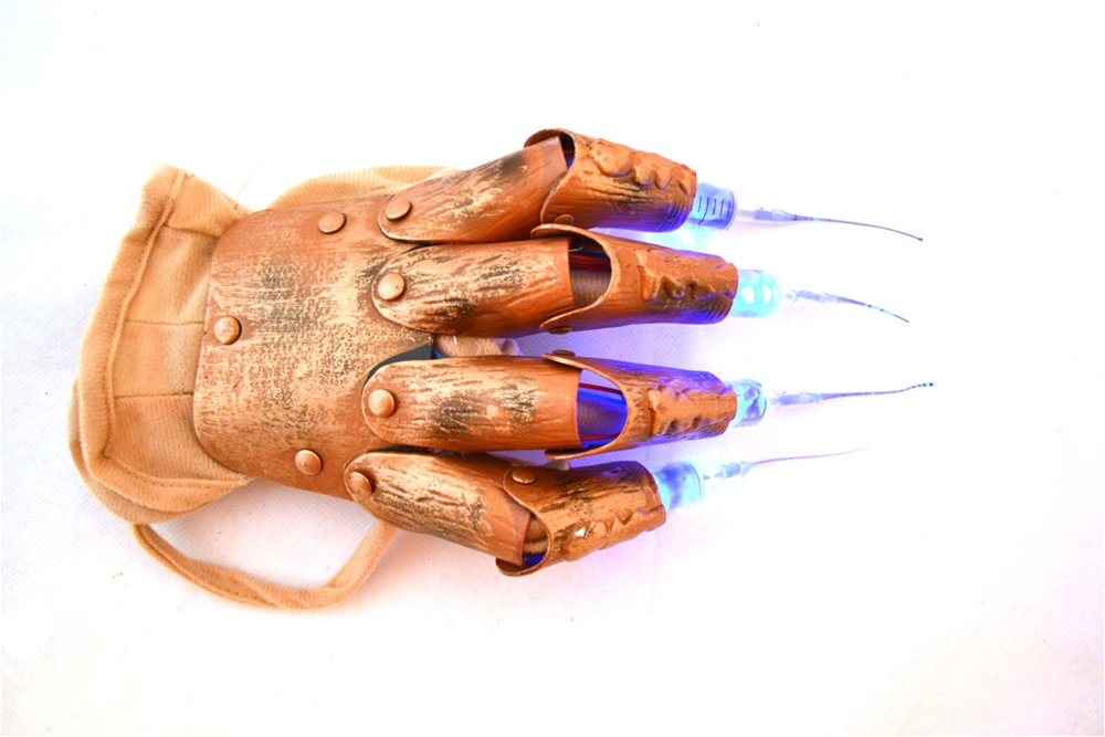 A Nightmare on Elm Street Syringe Freddy Glove