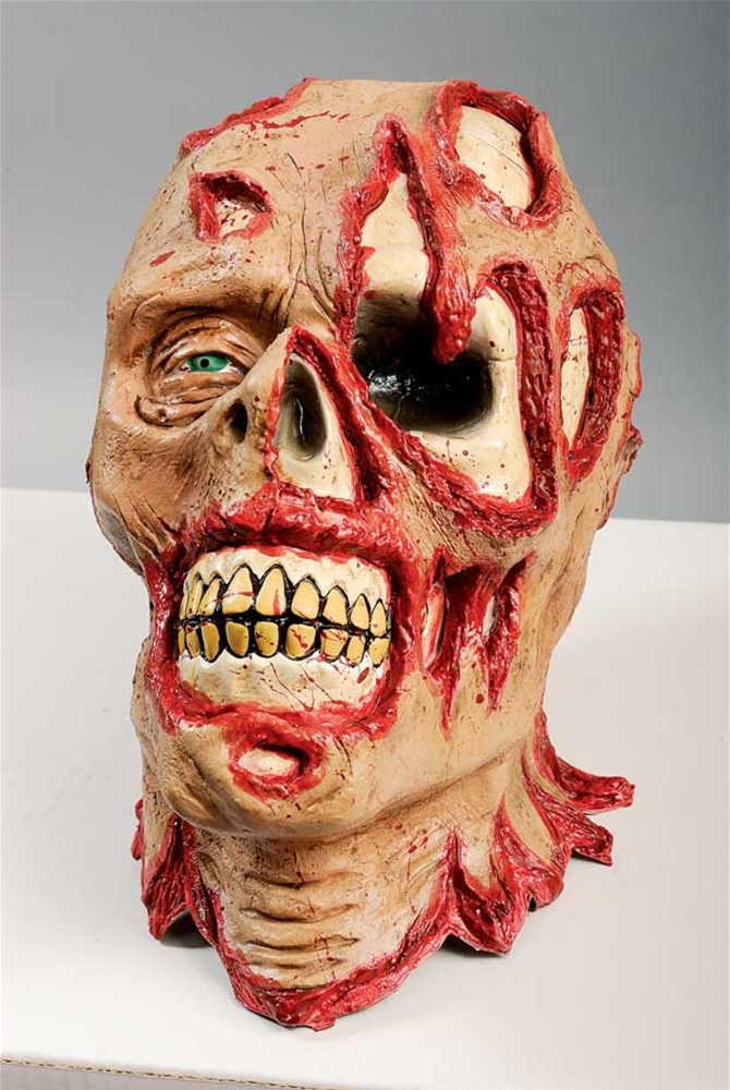 Mutilated Head Hanging Prop