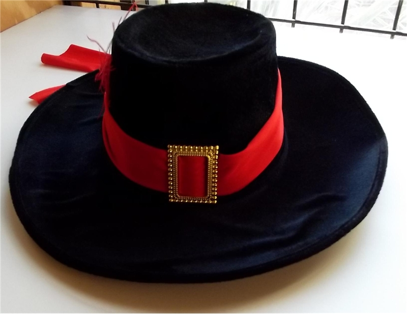 Velvet Musketeer Adult Hat