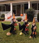 Outdoor Decor via Trendy Halloween