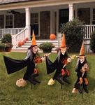 Outdoor Decor via Trendy Halloween